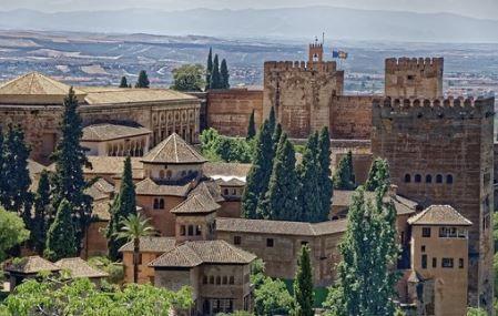 destrucción de documentos en Granada